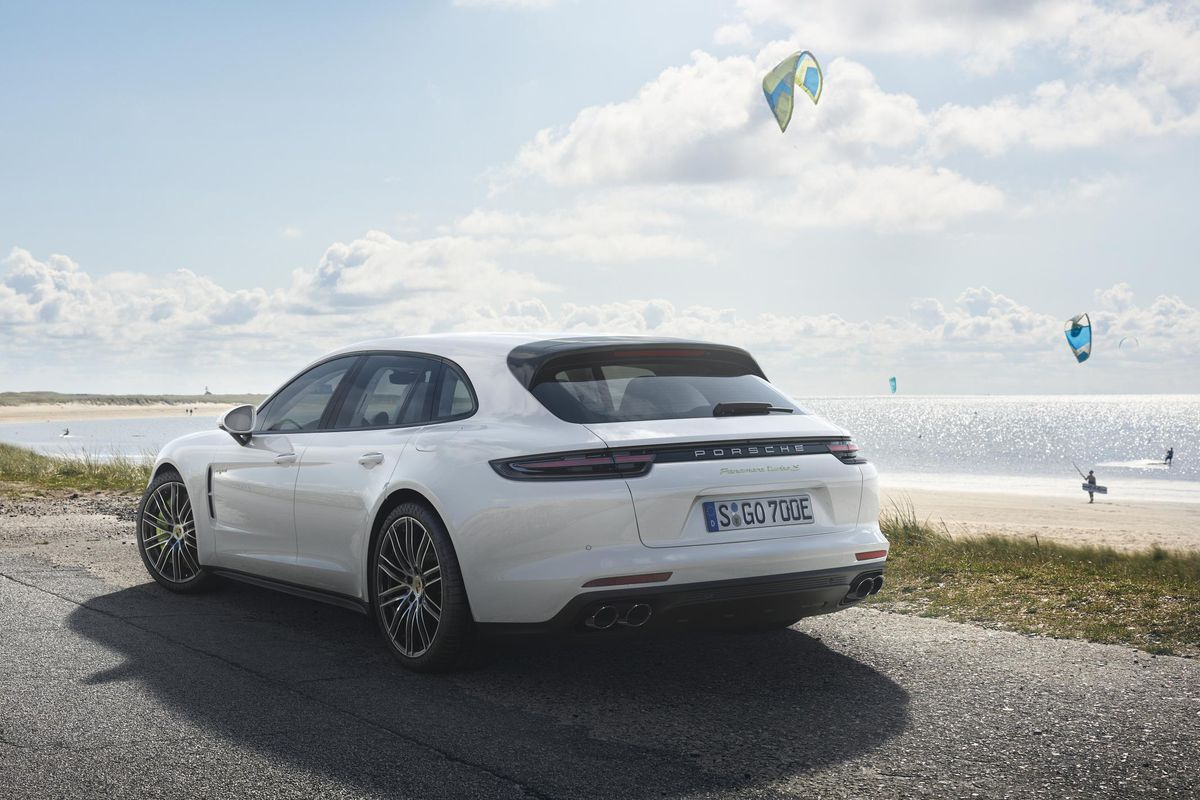 Panamera Turbo S E Hybrid Sport Turismo Goes On Next Year From 189 000