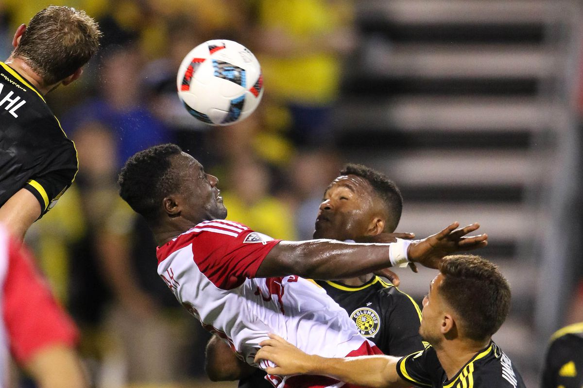 Red Bulls lose another lead late