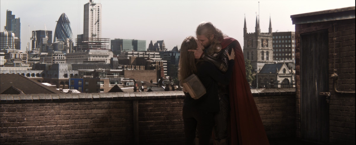 Thor and Jane Foster kiss on a London rooftop in Thor: The Dark World