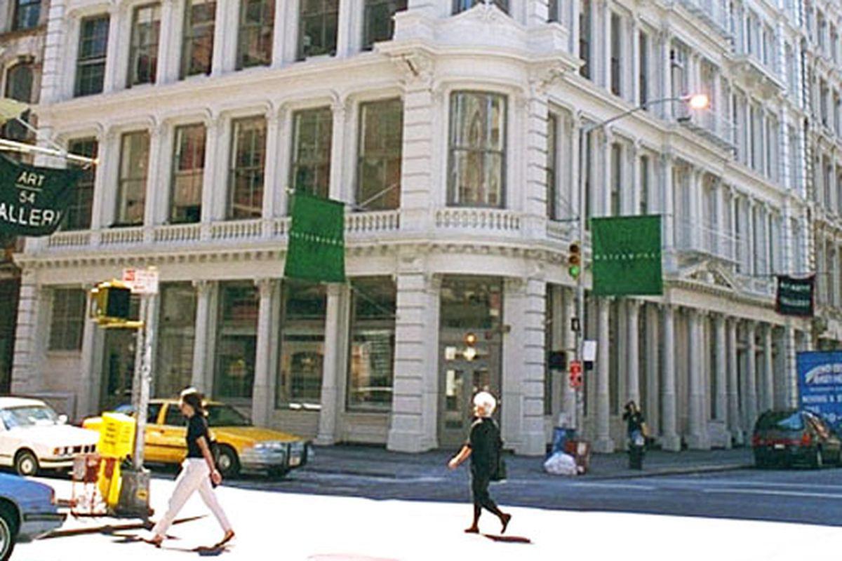 "Image via <a href=""http://www.cityrealty.com/nyc/manhattan/55-greene-street/5935"">City Realty</a>"