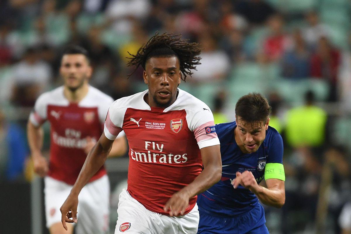 Arsenal midfielder Alex Iwobi breaks past Chelsea defender Cesar Azpilicueta in the UEFA Europa League Final, May 29, 2019.
