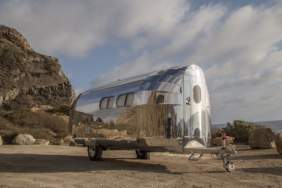 Aluminum Travel Trailers >> Aluminum Travel Trailer Combines 30s Style With Modern