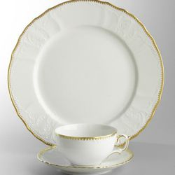 Simply Anna from Anna Weatherley<br />5 Piece Place Setting, $179<br />