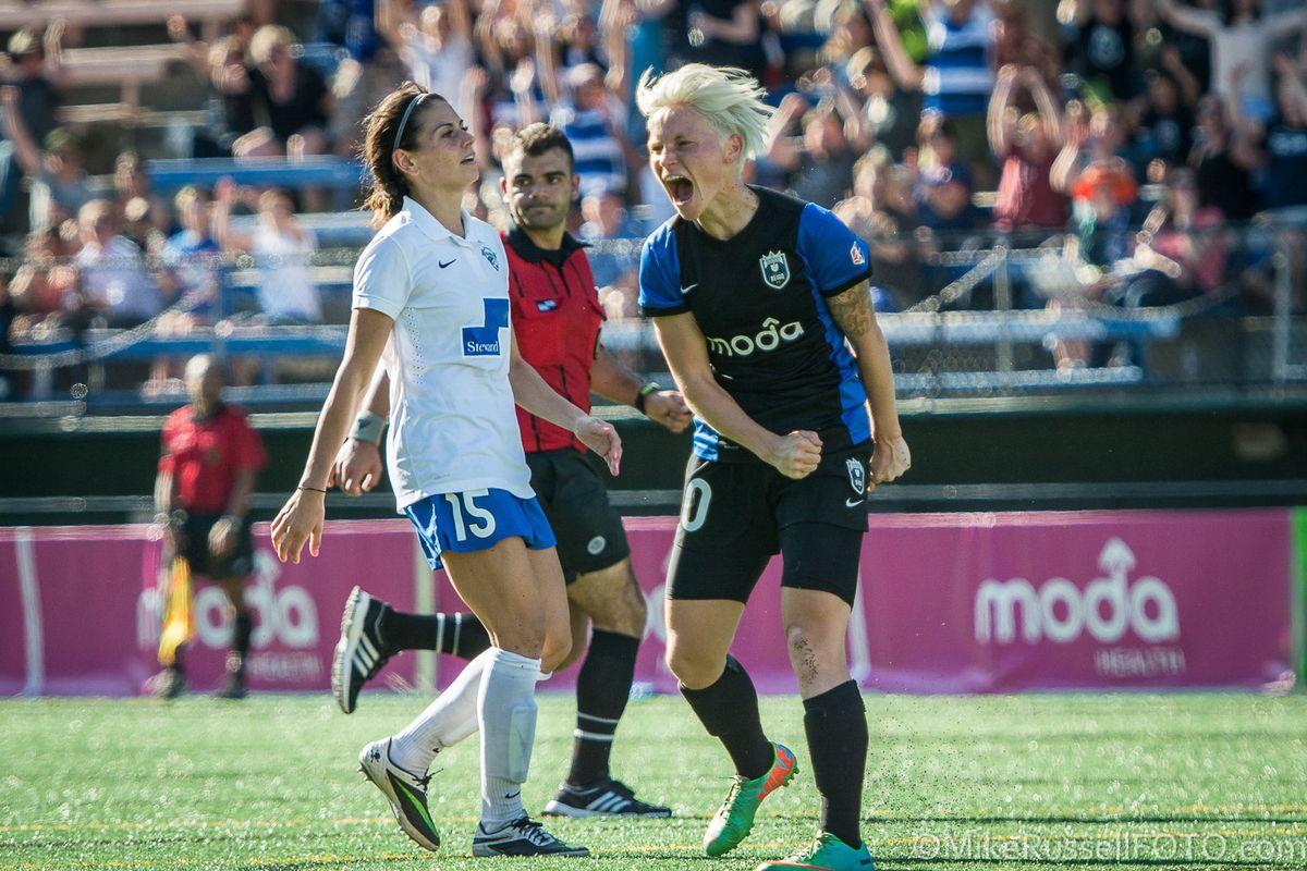 Jess Fishlock celebrates Naho Kawasumi's game winning goal