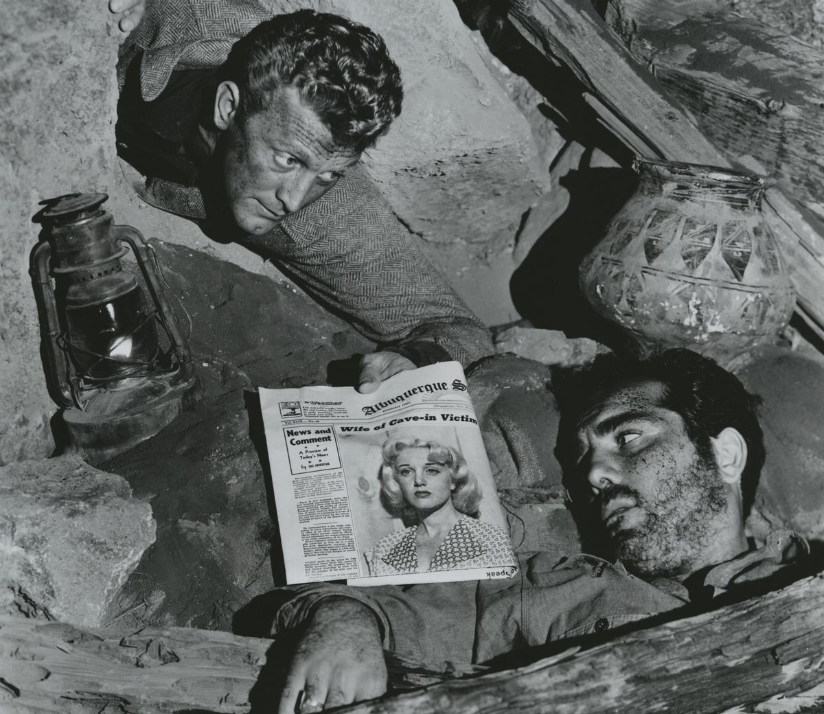 Robert Arthur and Kirk Douglas in Ace in the Hole