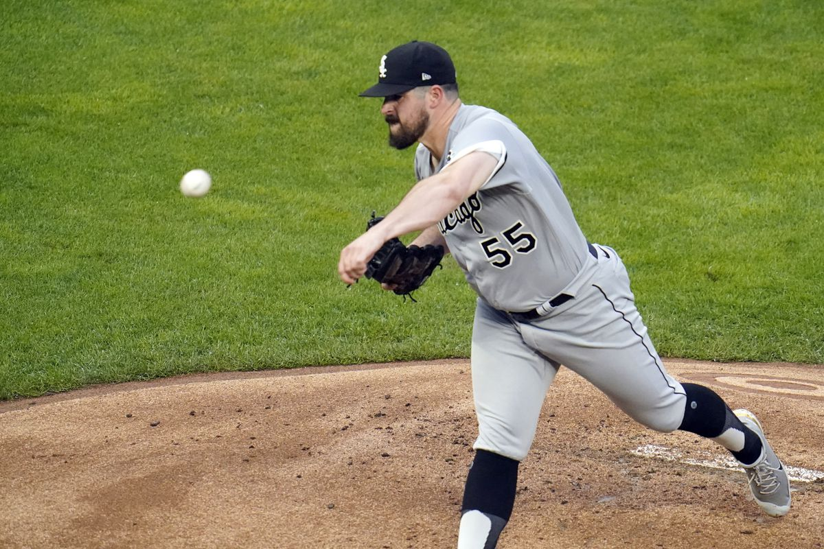 White Sox pitcher Carlos Rodon throws against the Twins in the first inning of Tuesday's game in Minneapolis.
