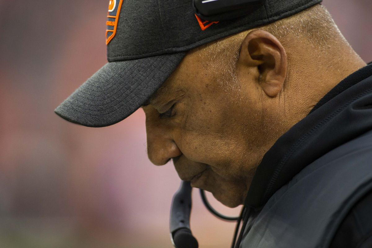 Cincinnati Bengals head coach Marvin Lewis looks down during the fourth quarter against the Cleveland Browns at FirstEnergy Stadium.