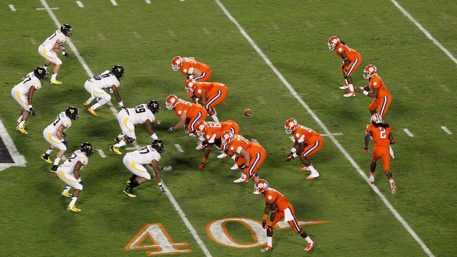 american football positions 3 essay Football essay jarret floyd eng 365 11/10/14 procedures to properly prepare to win a football game the game of football is the most popular sport in american culture today.
