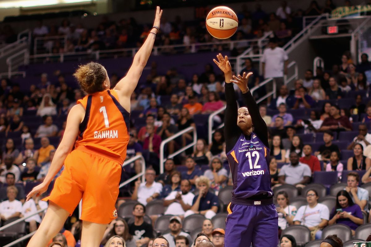 Re-signing Briann January was a necessary move for the Phoenix Mercury's championship aspirations