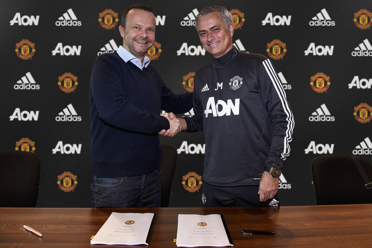 Jose Mourinho Signs A Contract Extension at Manchester United