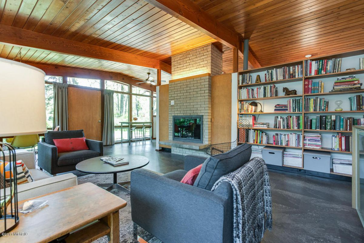 Midcentury home with walls of glass asks just $159K - Curbed