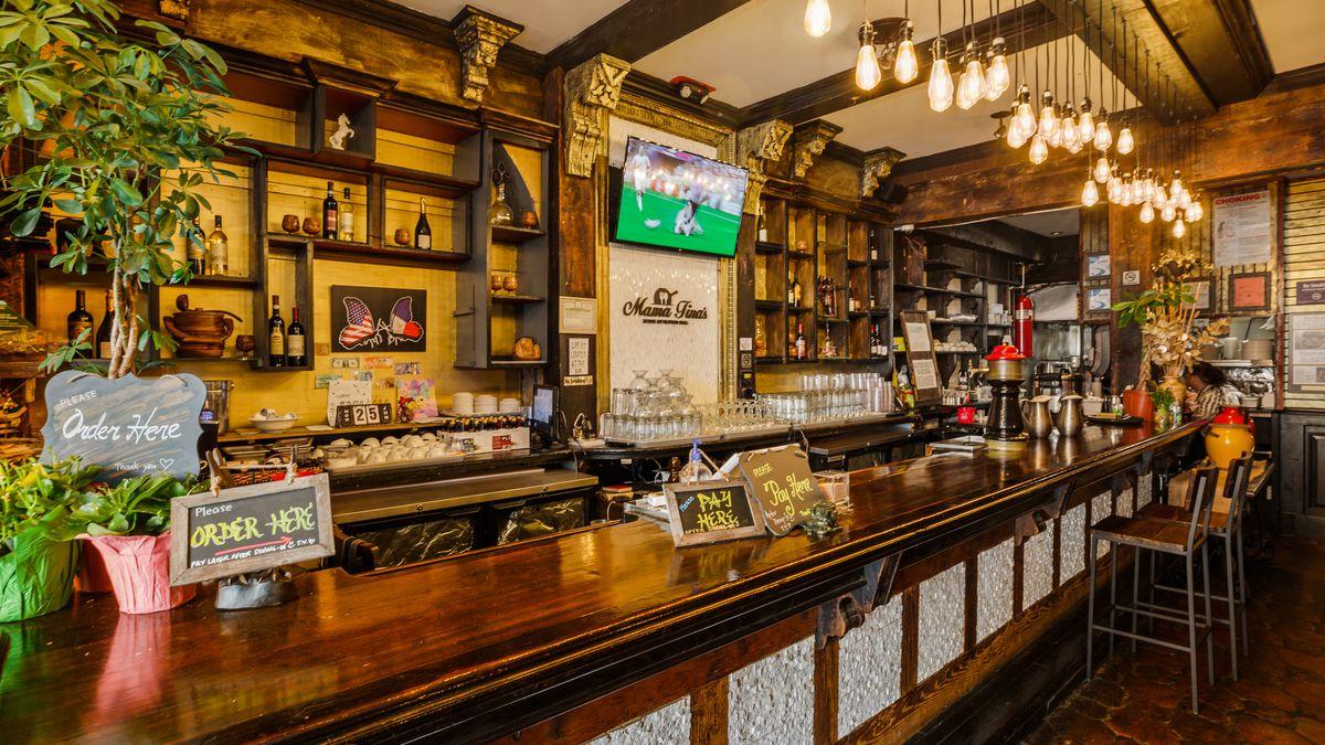 Place your order at the bar at Mama Fina's.