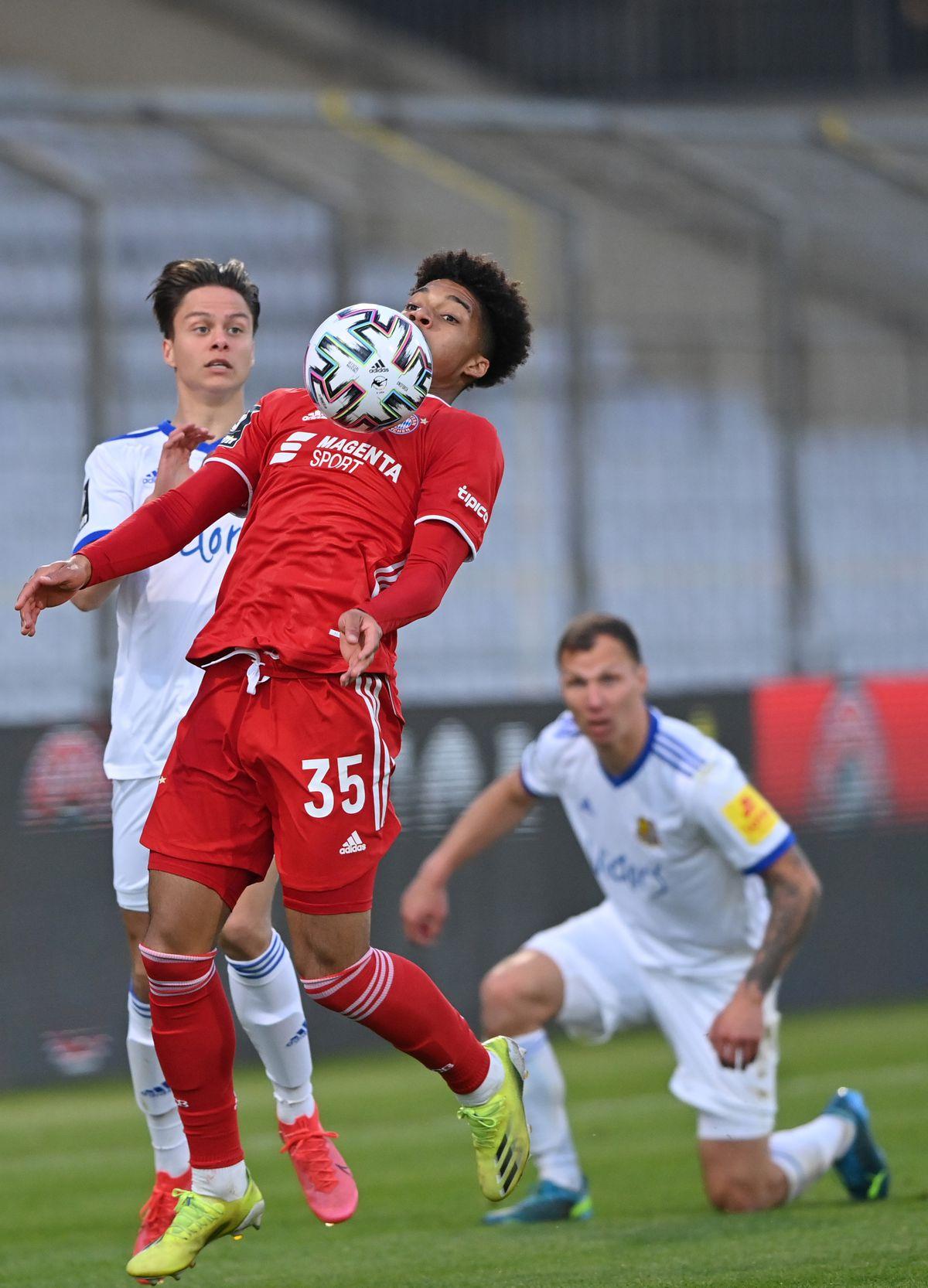 Bayern München II v 1. FC Saarbrücken - 3. Liga