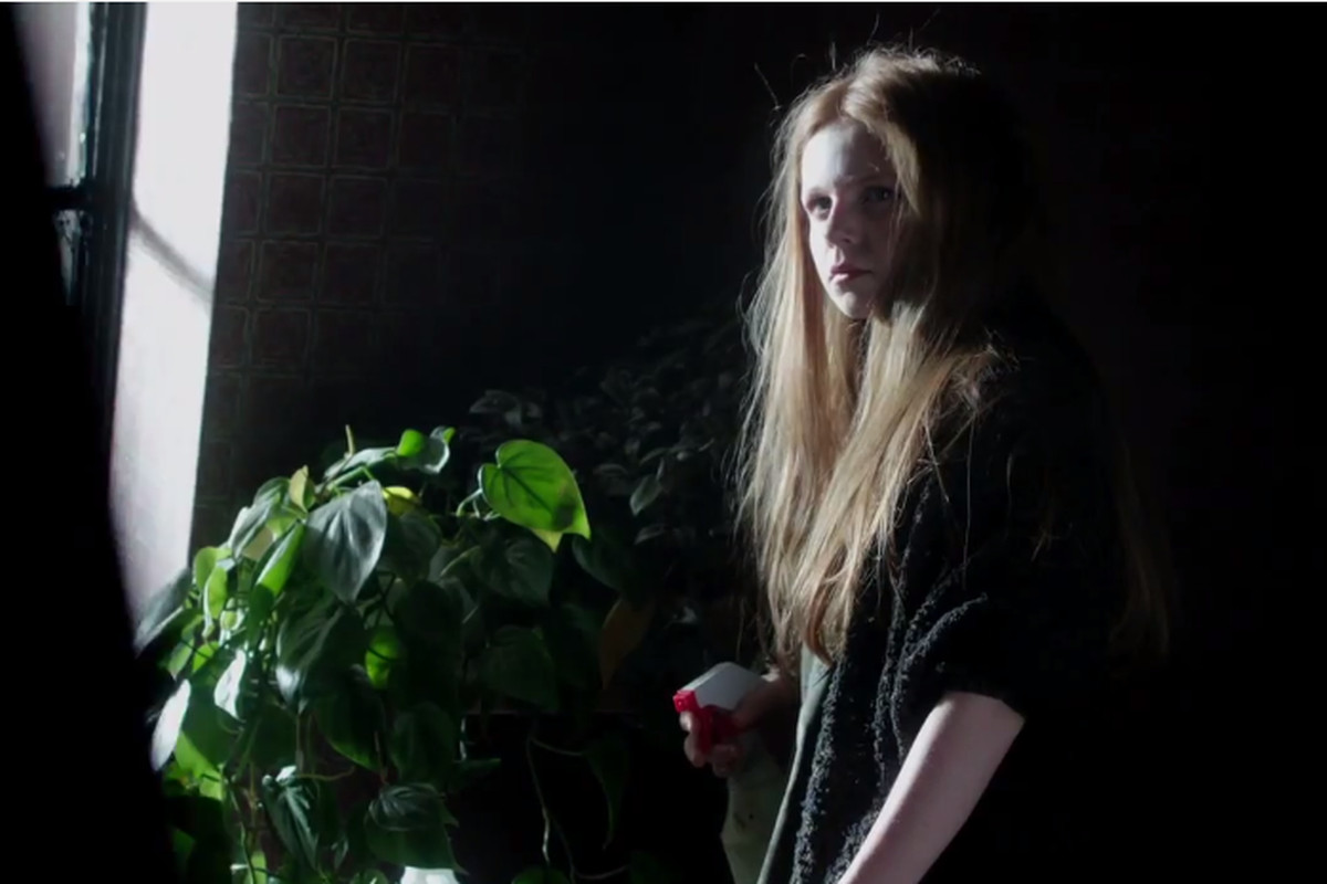 A still of Poison Ivy from Gotham.