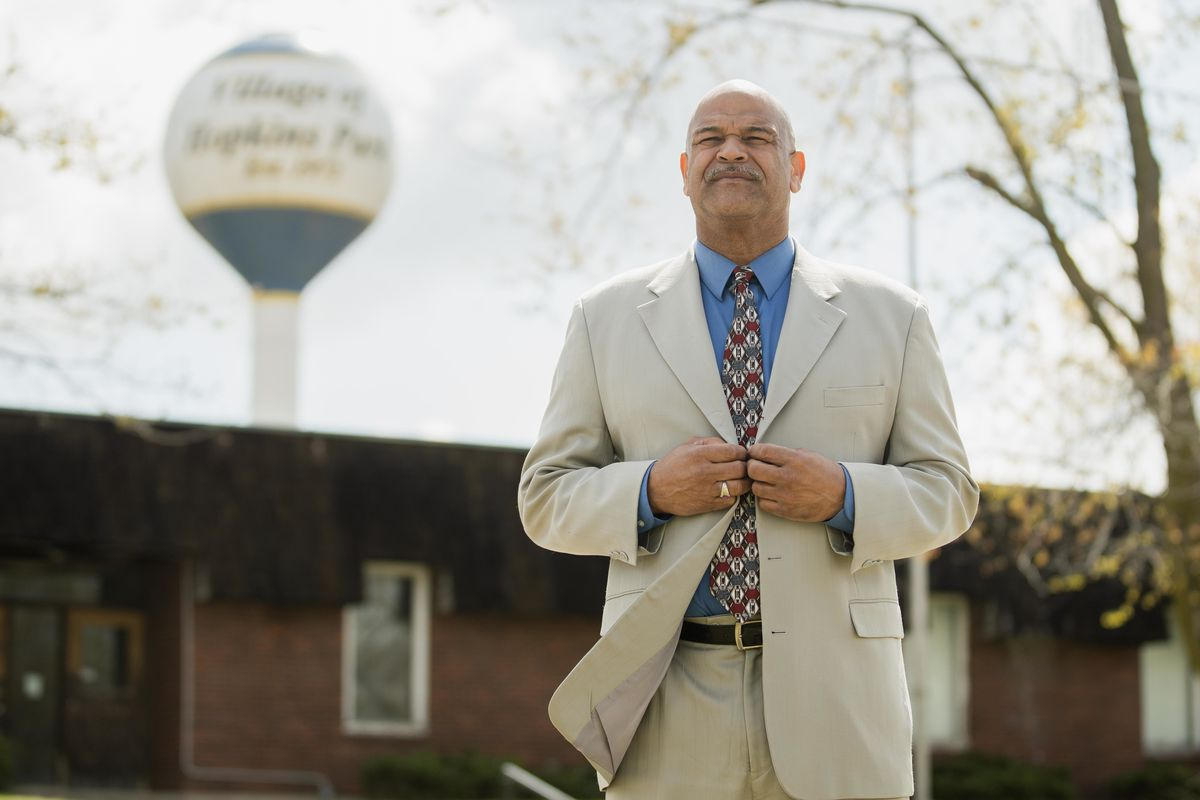 """""""Every community around us has natural gas,"""" says Mayor Mark Hodge, who's pushing a pipeline project that's facing some opposition."""