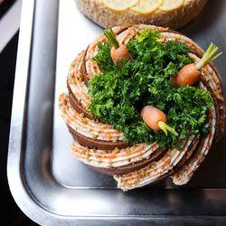 Carbone carrot cake