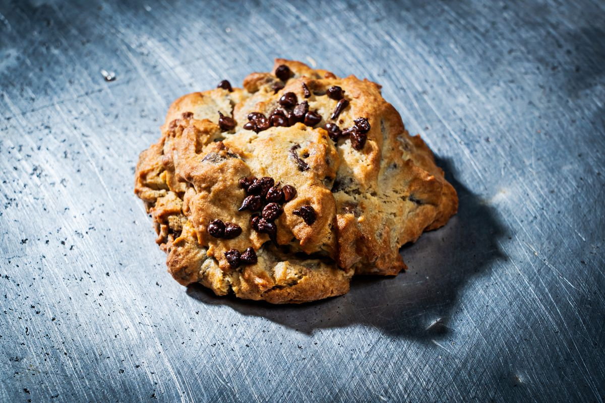 Cookies from Satellite Sandwiches are 4 inches wide and weight 6.5 ounces