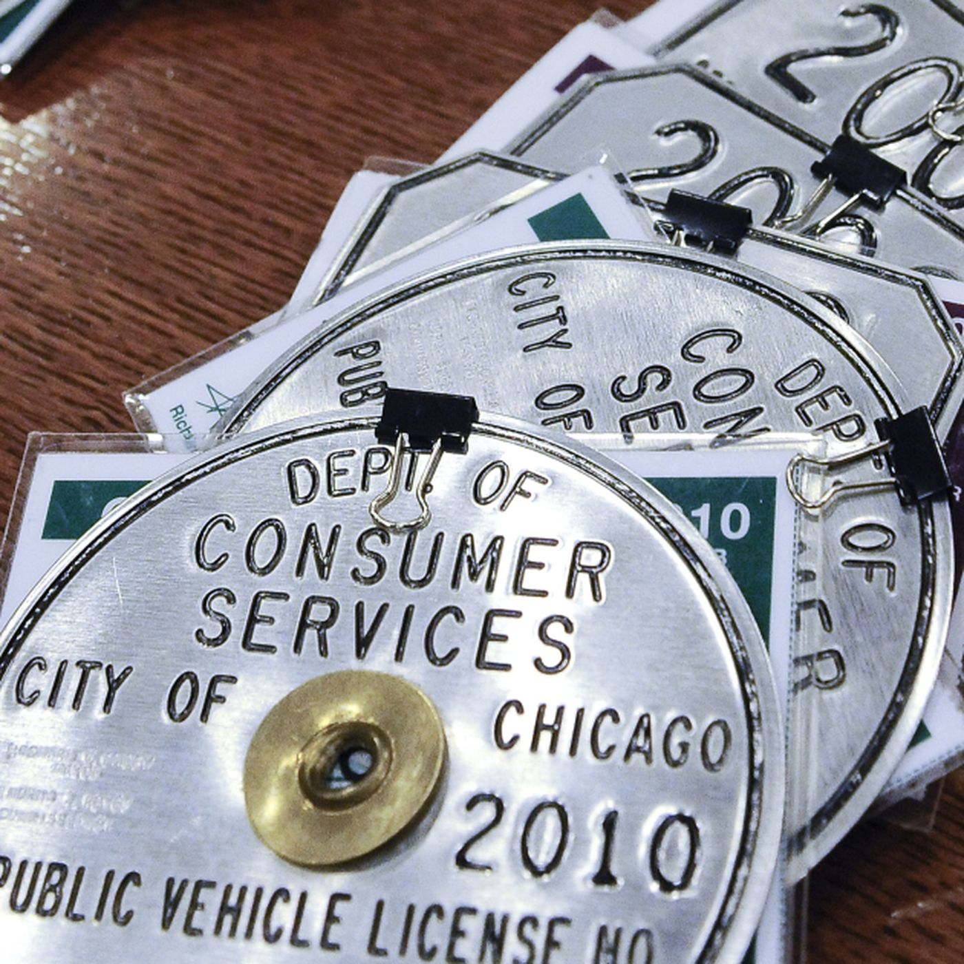 Latest cab medallion sale shows need for relief, cabbies