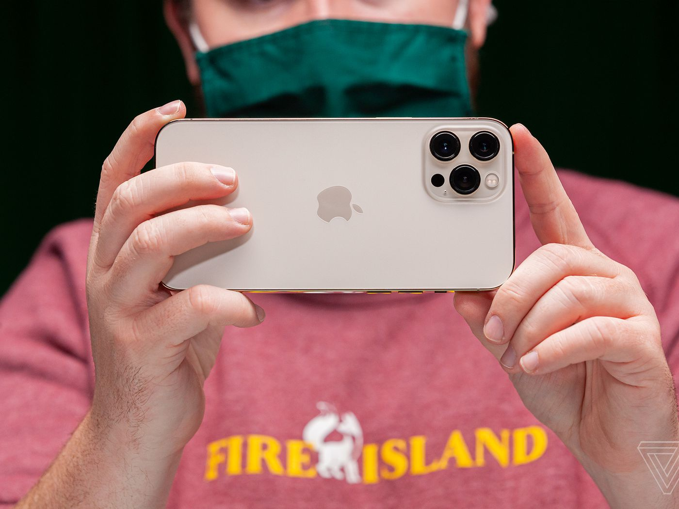 Ios 14 3 Turns The Iphone 12 Pro And Pro Max Into Even Better Cameras The Verge