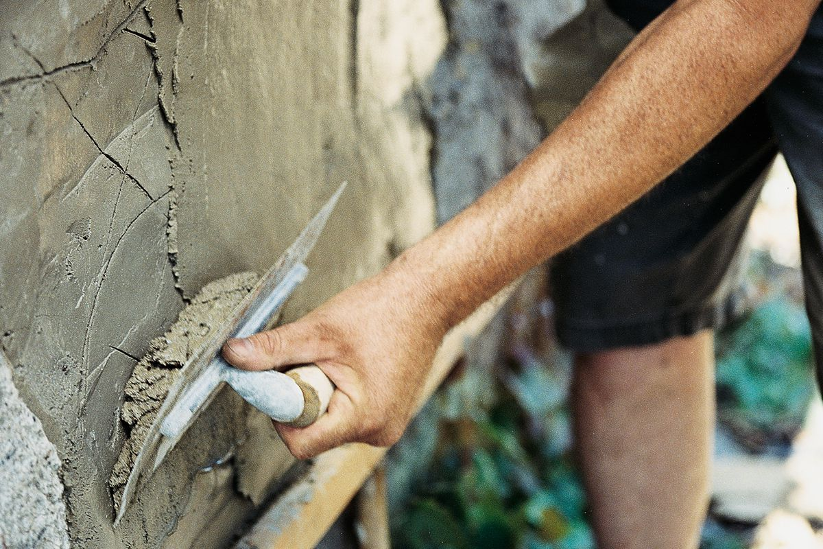 Signs You Need Professional Stucco Repair