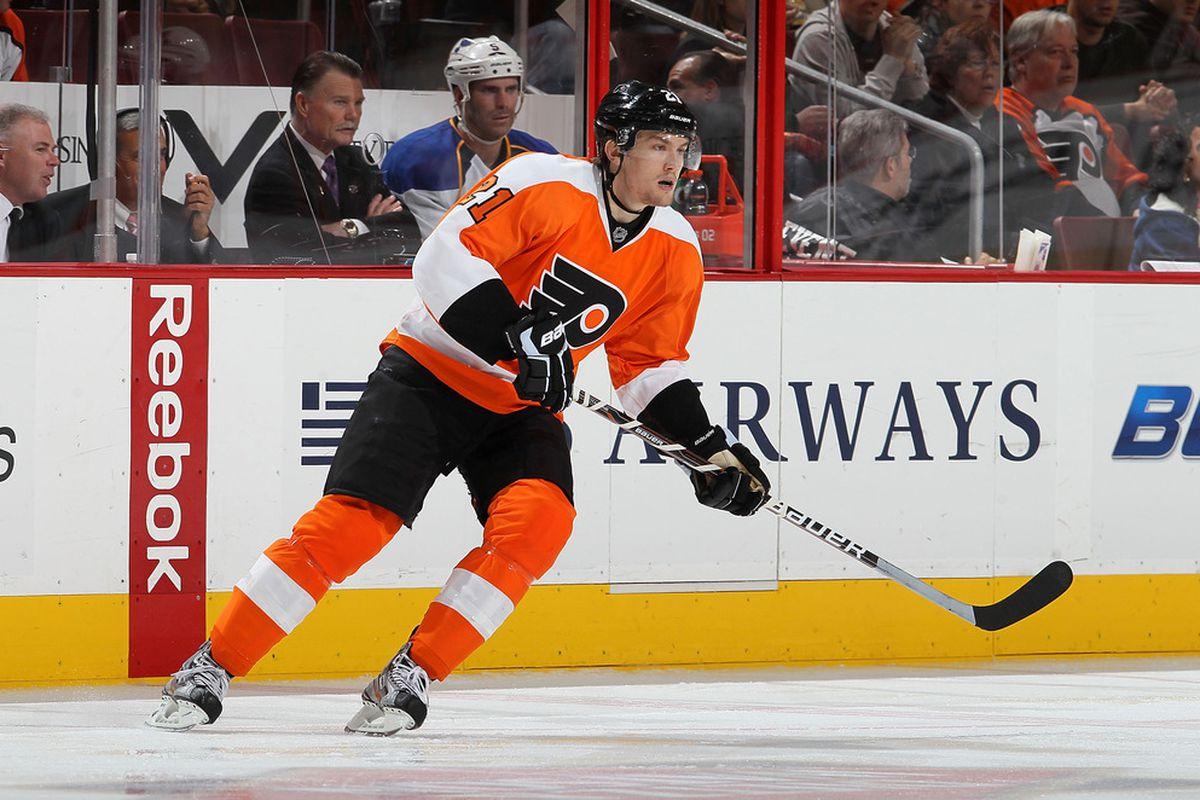 buy popular d6261 62449 Leafs trade Luke Schenn to Flyers for James van Riemsdyk ...
