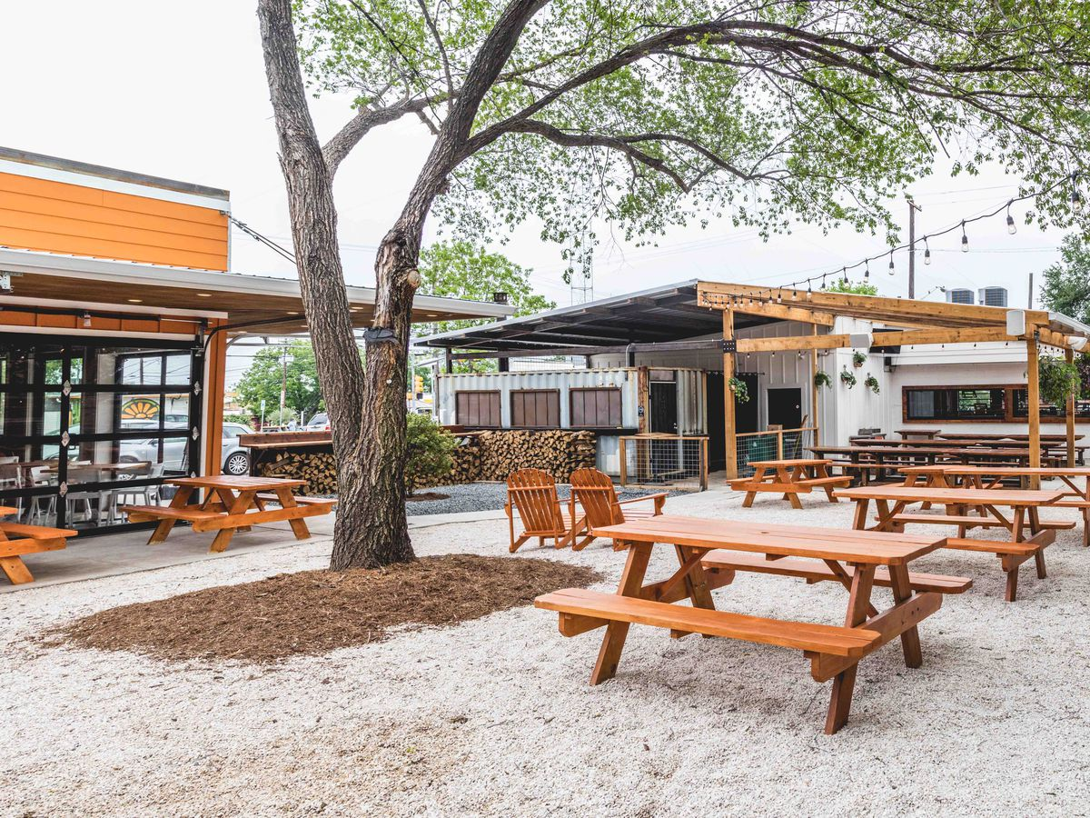The Austin Alfresco Heatmap Where To Eat Outside Right Now 2019 15 New Patios For Outdoor Dining