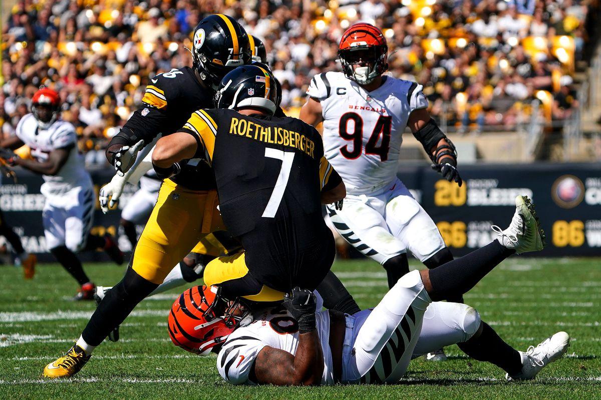 Cincinnati Bengals defensive end B.J. Hill (92) sacks Pittsburgh Steelers quarterback Ben Roethlisberger (7) in the second quarter during a Week 3 NFL football game, Sunday, Sept. 26, 2021, at Heinz Field in Pittsburgh. Cincinnati Bengals At Pittsburgh Steelers Sept 26