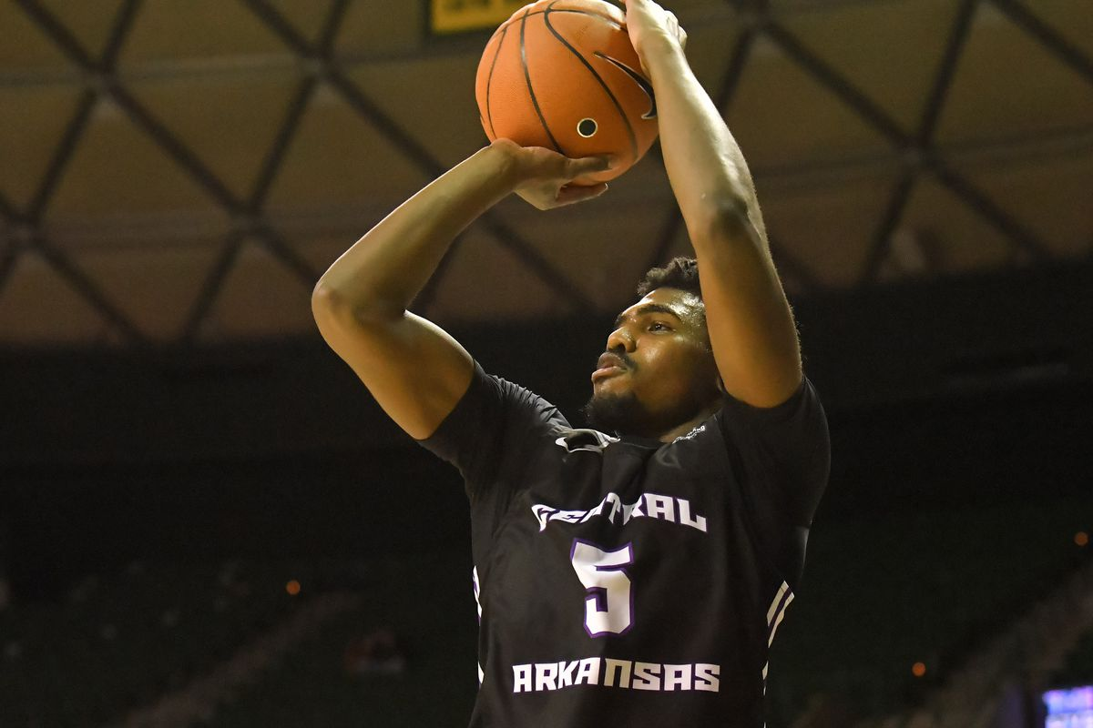 Central Arkansas Bears guard Masai Olowokere shoots the ball against Baylor Bears during the first half at Ferrell Center.