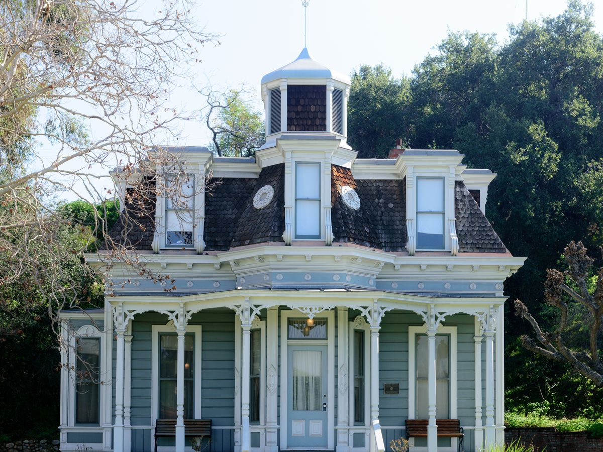 A mapped introduction to LA's Victorian mansions - Curbed LA on narrow house, narrow home blueprints, shallow lot house plans, cottage house plans, victorian house plans, narrow prefab homes, florida house plans, narrow building, narrow furniture, thin house plans, narrow drop leaf table, narrow home elevations, narrow home design, narrow kitchen design,