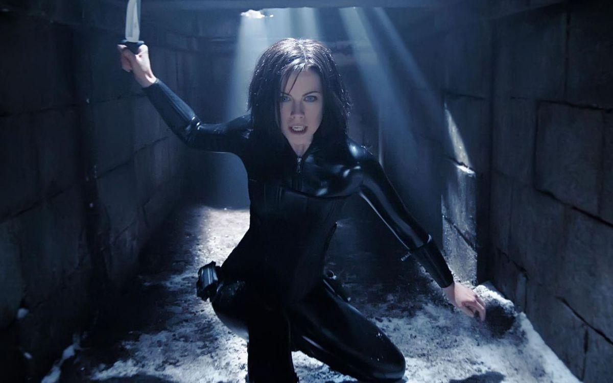 Kate Beckinsale as the vampire Selene in Underworld