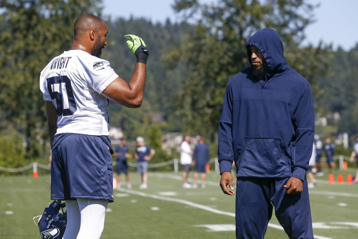 huge discount 69f7b a2632 How does Bobby Wagner's non-holdout holdout affect the ...