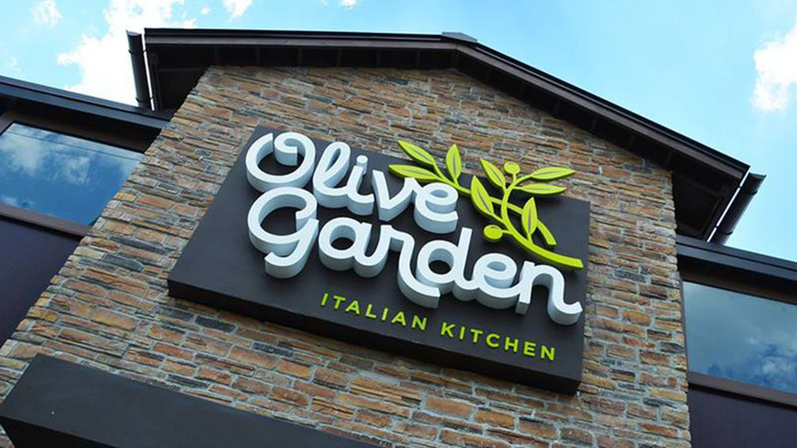 Olive Garden Employee Blames Shorted Tips On Faulty