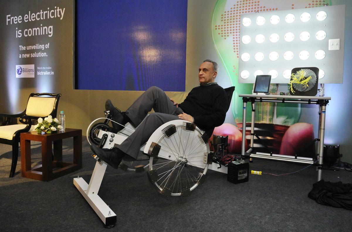 Manoj Bhargava uses the Hans Free Electric bike (GettyImages)