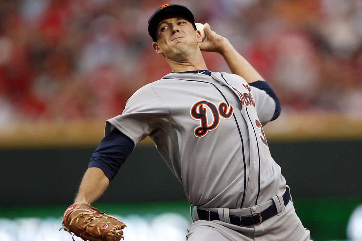 Jun 10, 2012; Cincinnati, OH, USA; Detroit Tigers starting pitcher Drew Smyly (33) pitches during the first inning against the Cincinnati Reds at Great American Ball Park. Mandatory Credit: Frank Victores-US PRESSWIRE
