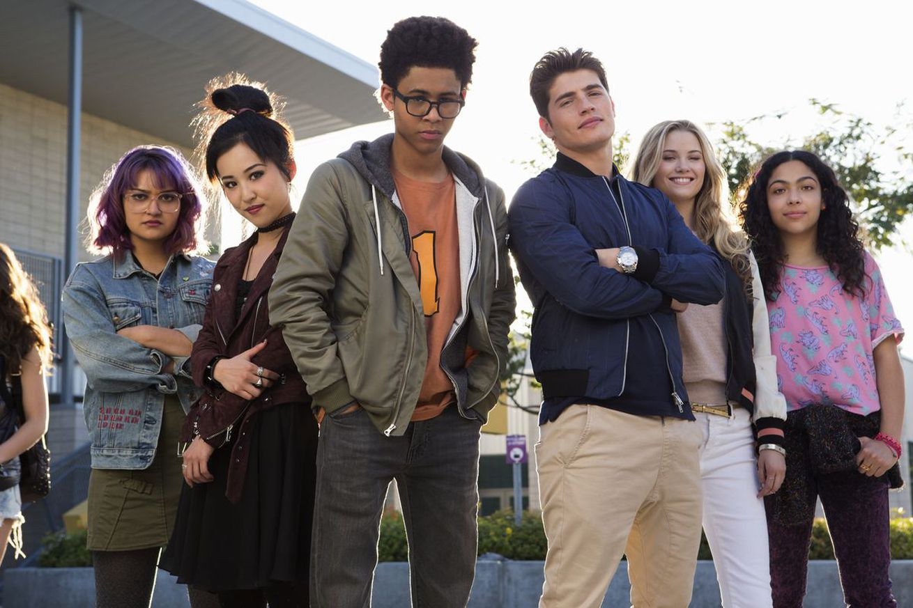 marvel s runaways might get good once its heroes actually run away