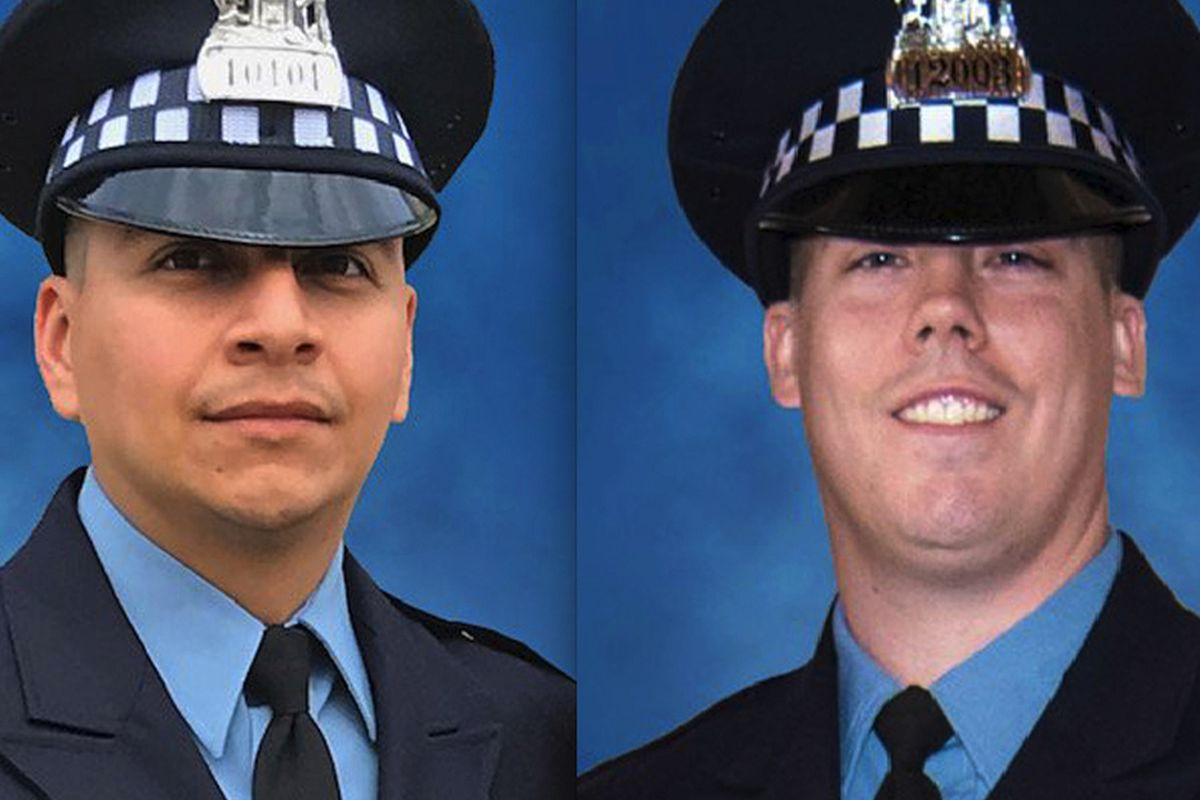 2 Chicago police officers killed by train while chasing