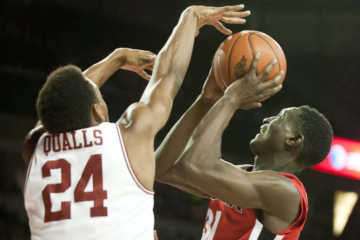 Michael Qualls casts a magic spell over Georgia to help secure the victory for Arkansas.