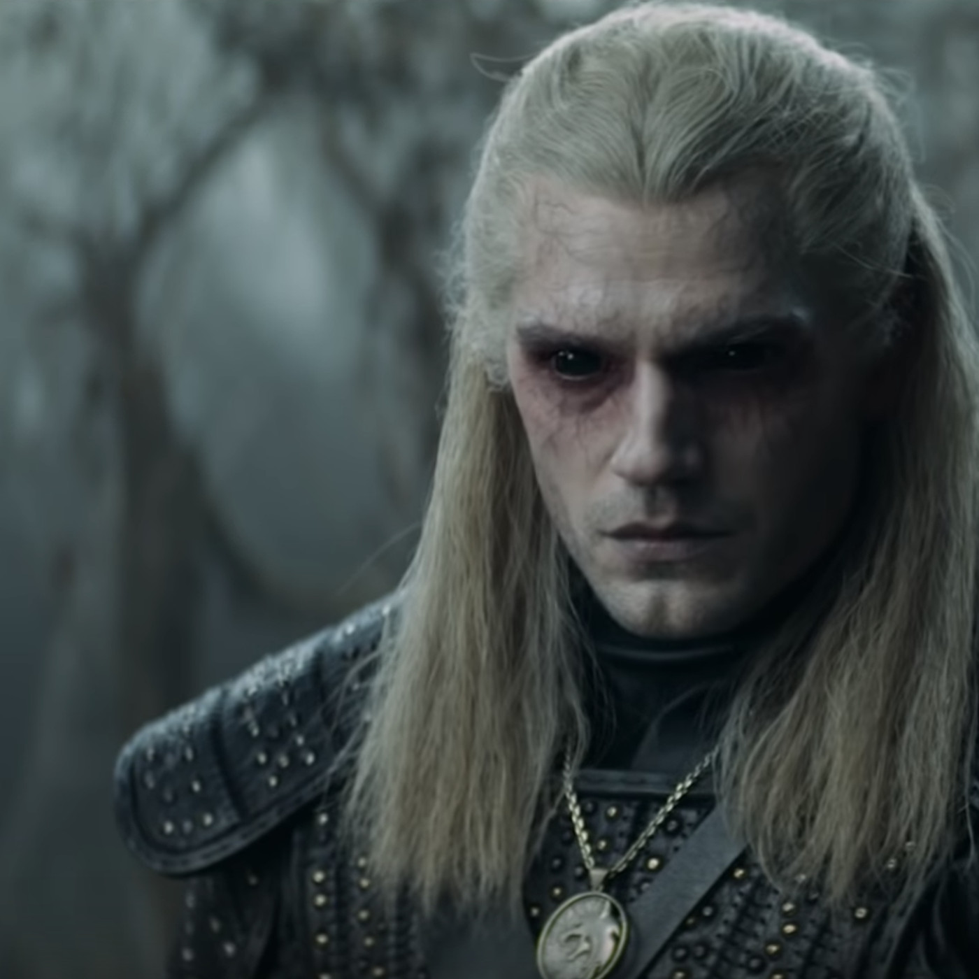 The Witcher S First Trailer Brings Henry Cavill S Geralt To