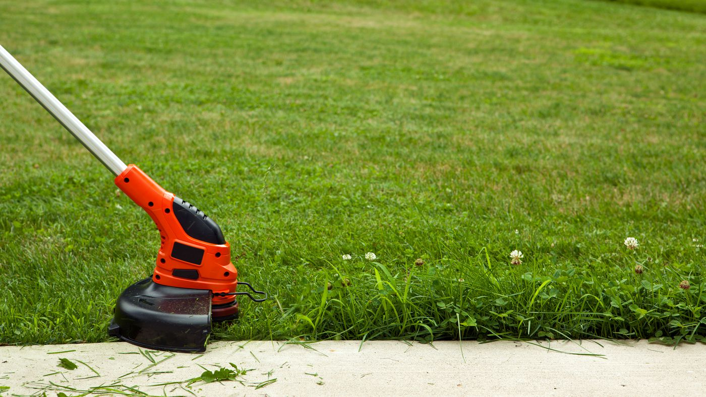 Picture of: How To Edge A Lawn In 10 Easy Steps This Old House