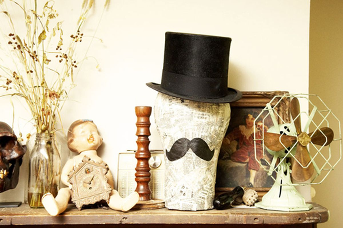 """An assortment of objects in Lewis's home, via <a href=""""http://www.theselby.com/7_31_08_grace_kenyan/index.html"""">the Selby</a>"""