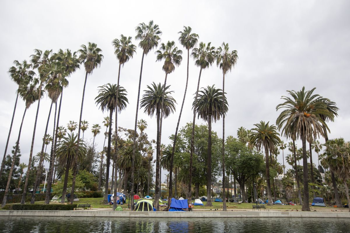 City is set to remove homeless from Echo Park and fence off the area on Thursday.