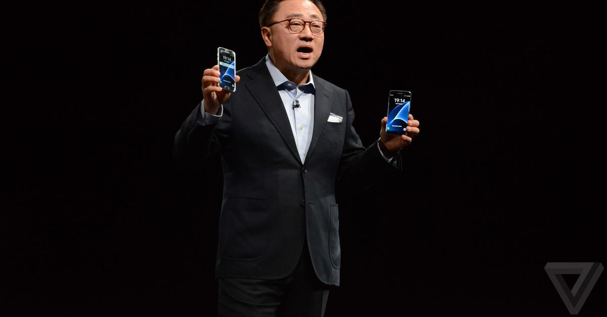 Samsung says its foldable phone is also a tablet that fits in your pocket