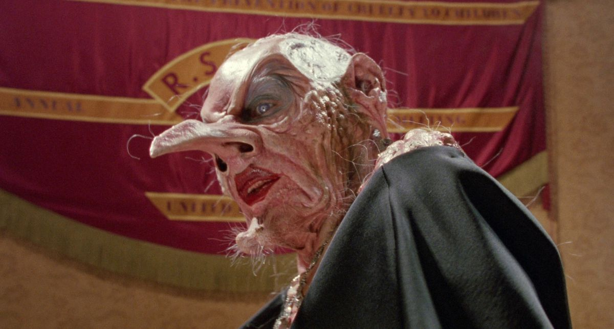 anjelica huston under her witch makeup in the witches