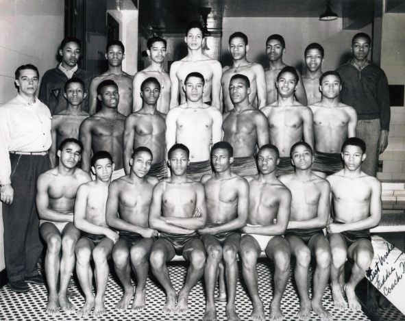 Ed Kirk (at center) and the rest of the DuSable Seahorses during the 1948-1949 season. | Provided photo