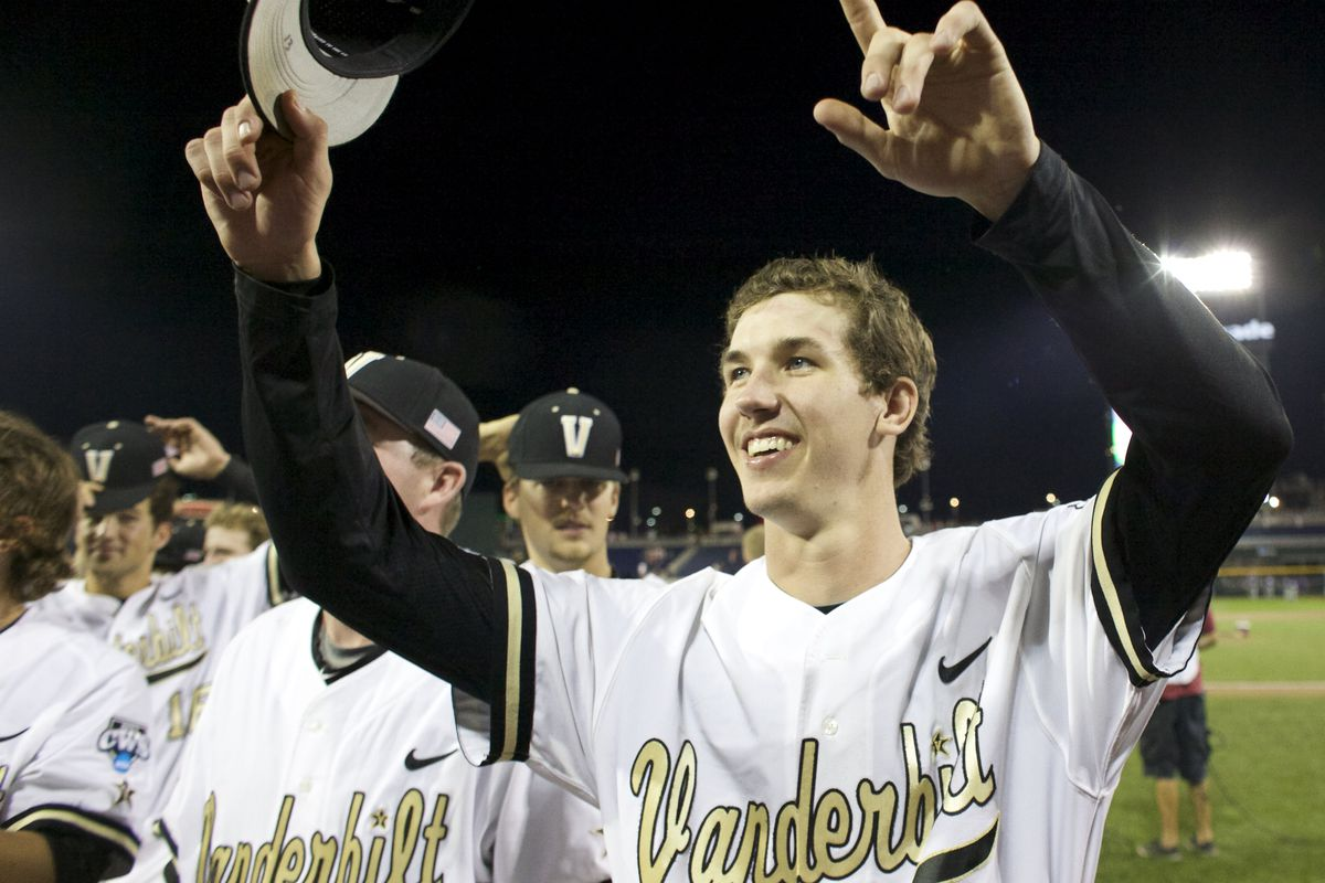 The Dodgers signed first-round pick Walker Buehler on Friday, per reports.