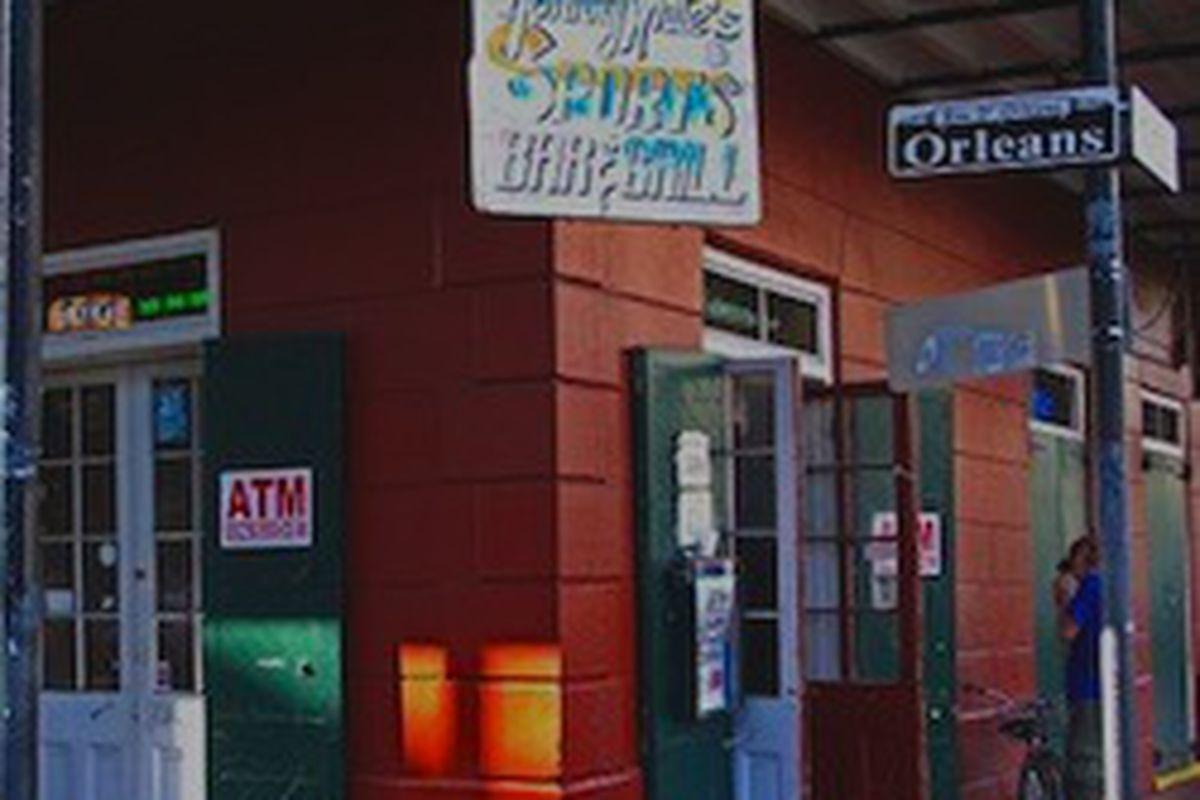 Johnny Whites The Bar That Stayed Open Through Katrina Will Now