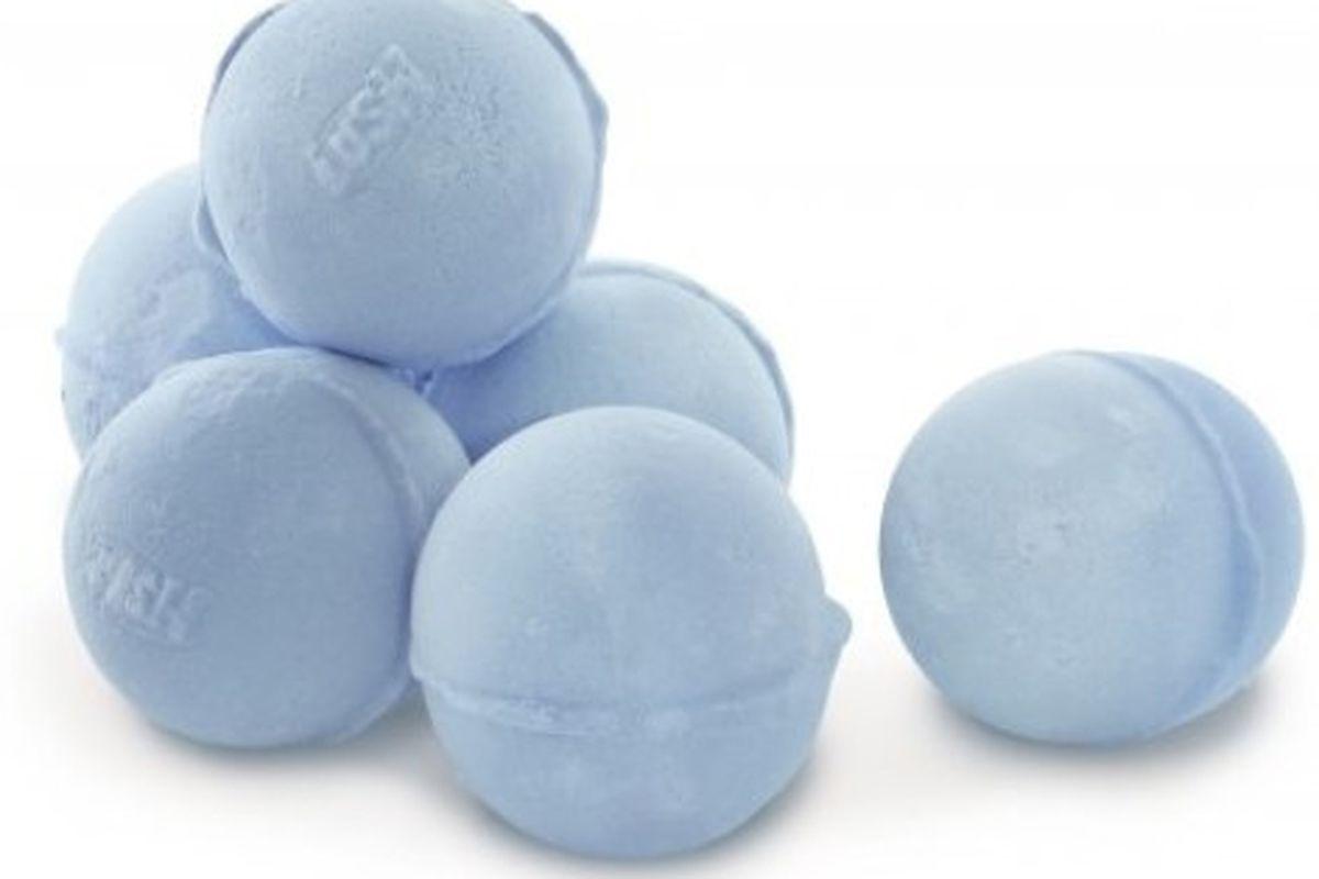 "Image via <a href=""http://www.lushusa.com/shop/products/bath/bath-bombs/"">Lush</a>"