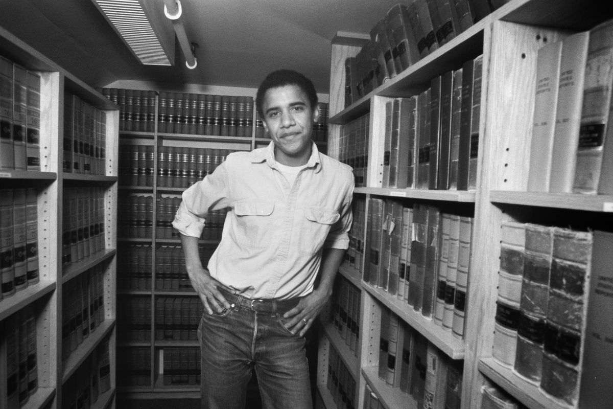 letters obama wrote to his college girlfriend are now on display at