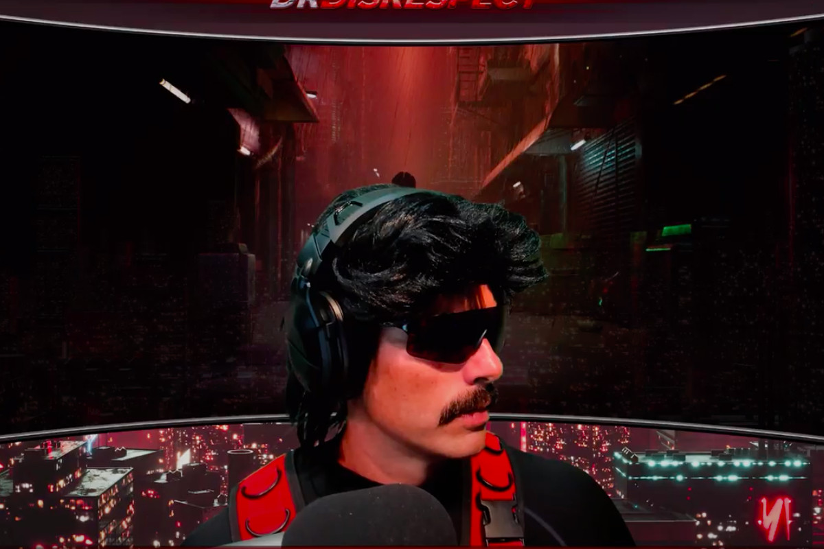 DrDisrespect looks to the right of his stream.