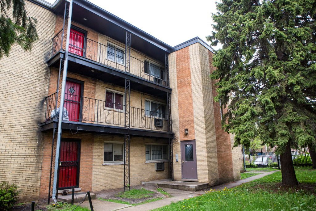 """The apartment building at 7940 S. Greenwood where a body was found last October of a man on whose body Dr. John E. Cavanaugh found """"no clear evidence of trauma."""" Later, the Cook County medical examiner's office changed that finding, saying the man had suf"""
